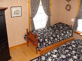 Extra twin bed in the Red Room